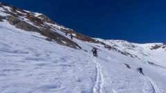 Trudne podejście kuluarem na lodowiec Kleinleitenferner