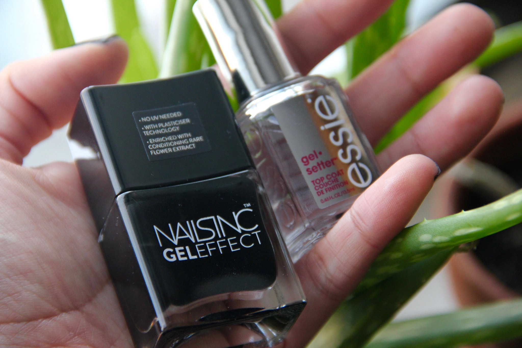 Nails Inc Gel Effect Black Taxi & Essie Gel Setter