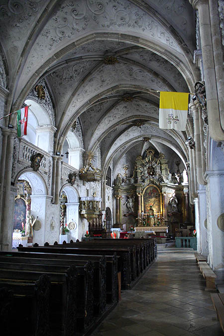 Interior de la iglesia Szent György. © Paco Bellido, 2006