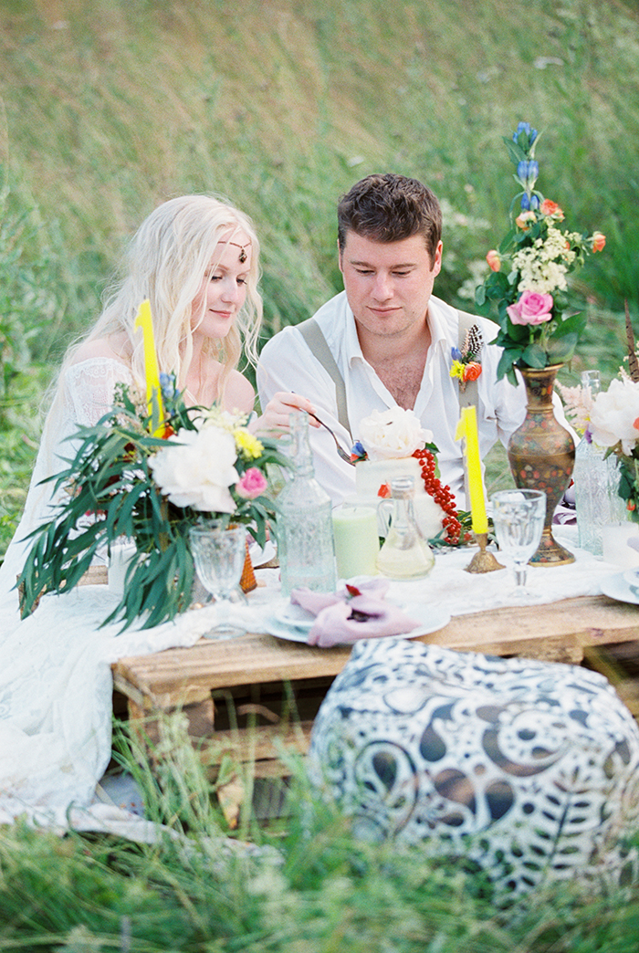 wedding reception for Bohemian wedding inspiration shoot in the countryside with a dose of vibrancy | photo by Igor Kovchegin | Fab Mood - UK wedding blog #bohemian