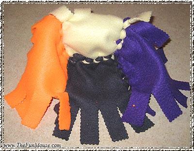 How to: No Sew Fleece Cube / Box Shelf 25694632744_9769e3ce79