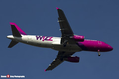 HA-LPS - 3771 - Wizzair - Airbus A320-232 - Luton, Bedfordshire - 2016 - Steven Gray - IMG_4921