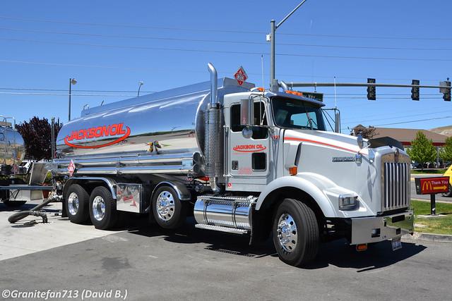 Jackson Oil Kenworth T800 - 3 (NV)