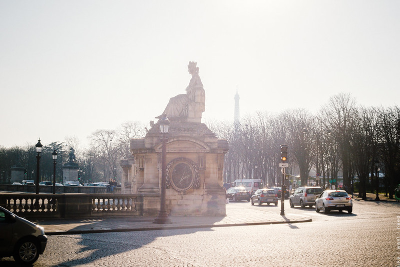 Light, Place de la Concorde