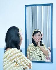 Indonesian Javanese wedding photo for Amy & Gatot at Yogyakarta. Foto wedding by @poetrafoto, http://wedding.poetrafoto.com 👍😊😍