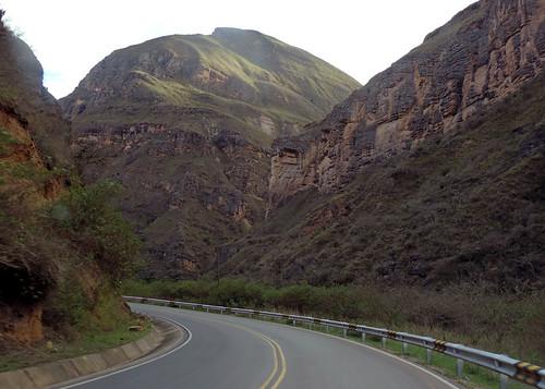 road peru scenery carretera strasse paisaje perú route estrada paysage landschaft pérou перу carreterachachapoyasagocta galeonfotografia