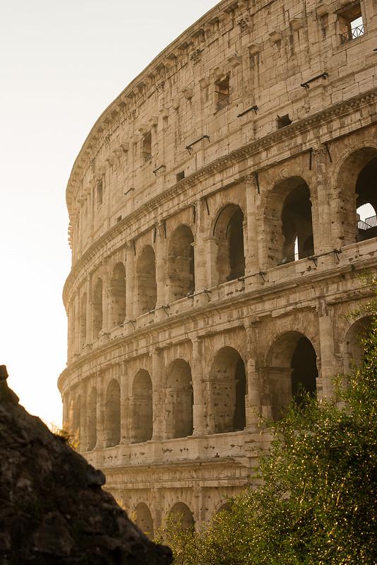 Coliseo al amanecer