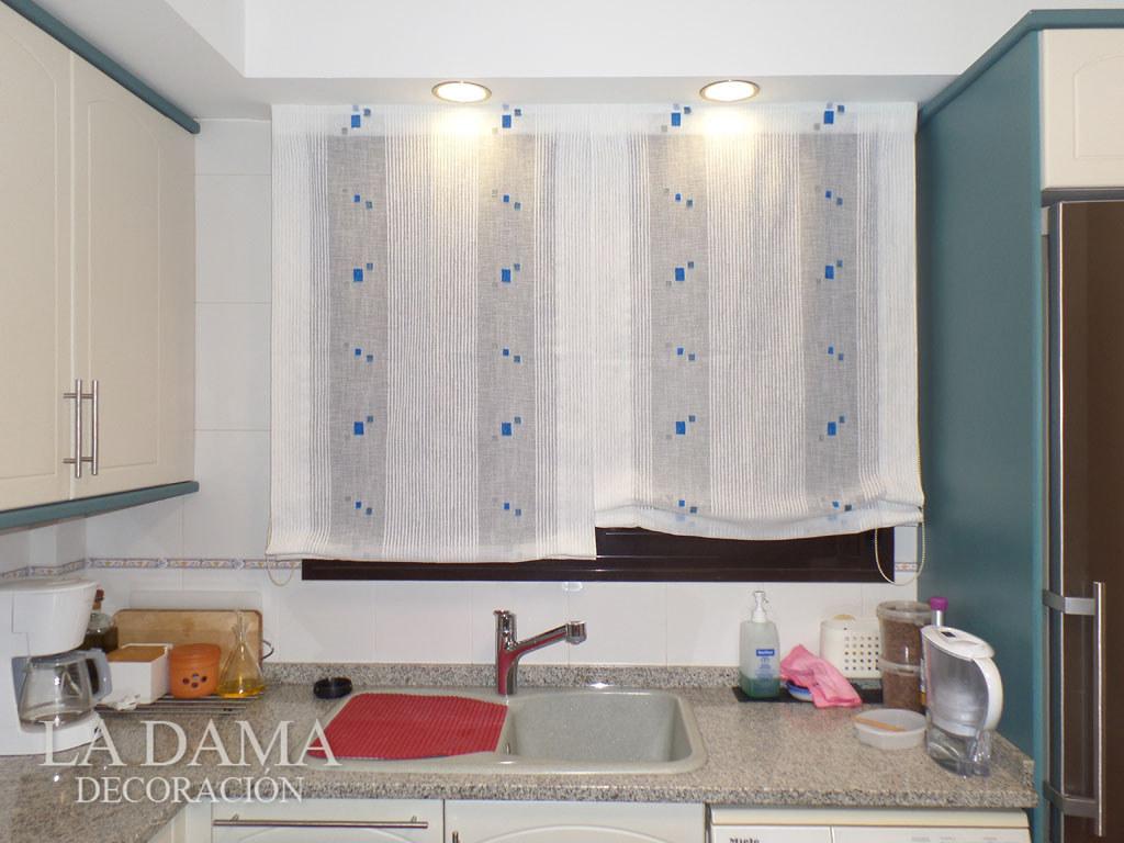 Fotos de cortinas instaladas en ambientes for Cortinas cocina confeccionadas