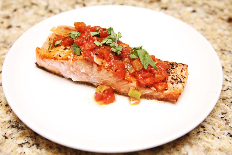 Sautéed Salmon With Leeks and Tomatoes