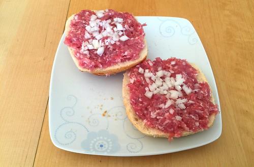 Ground meat buns with onions / Gehacktesbrötchen mit Zwiebeln