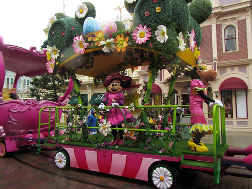 Minnie's Little Spring Train