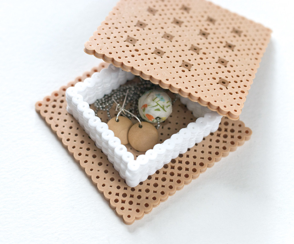 Perler Bead Smores Box