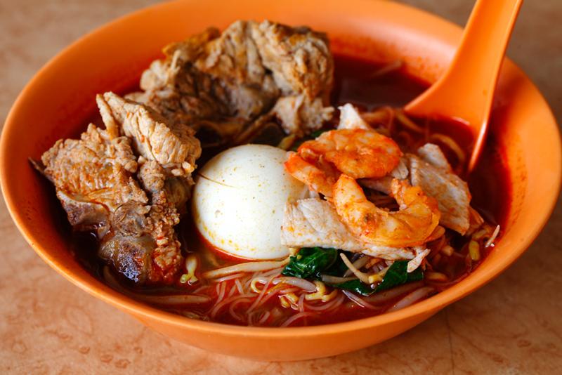 Penang Prawn Mee with Pork Ribs