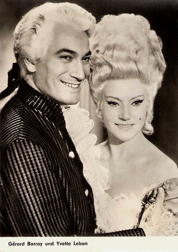Gérard Barray and Yvette Lebon in La máscara de Scaramouche (1963)