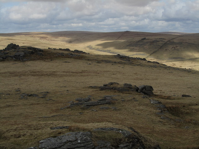 Beardown Tor (North outcrop), Crow Tor background