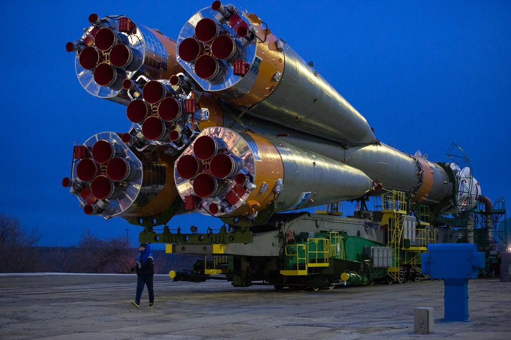 Exp 47 Soyuz Rollout (NHQ201603160010)