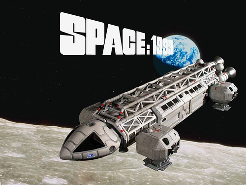 Space 1999 - Poster 2
