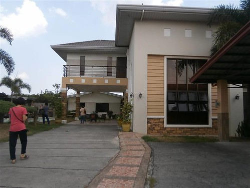924sqm lot & House for Sale Angeles City Balibago with Pool Ref#0000749