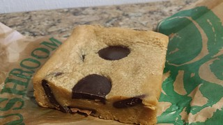 Peanut Butter Blondie from Flora and Fauna