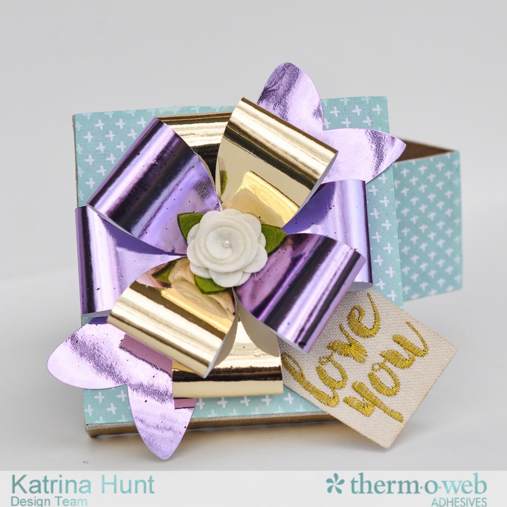 Gift_Box_Therm_O_Web_DecoFoil_Katrina_Hunt_1000Signed-3