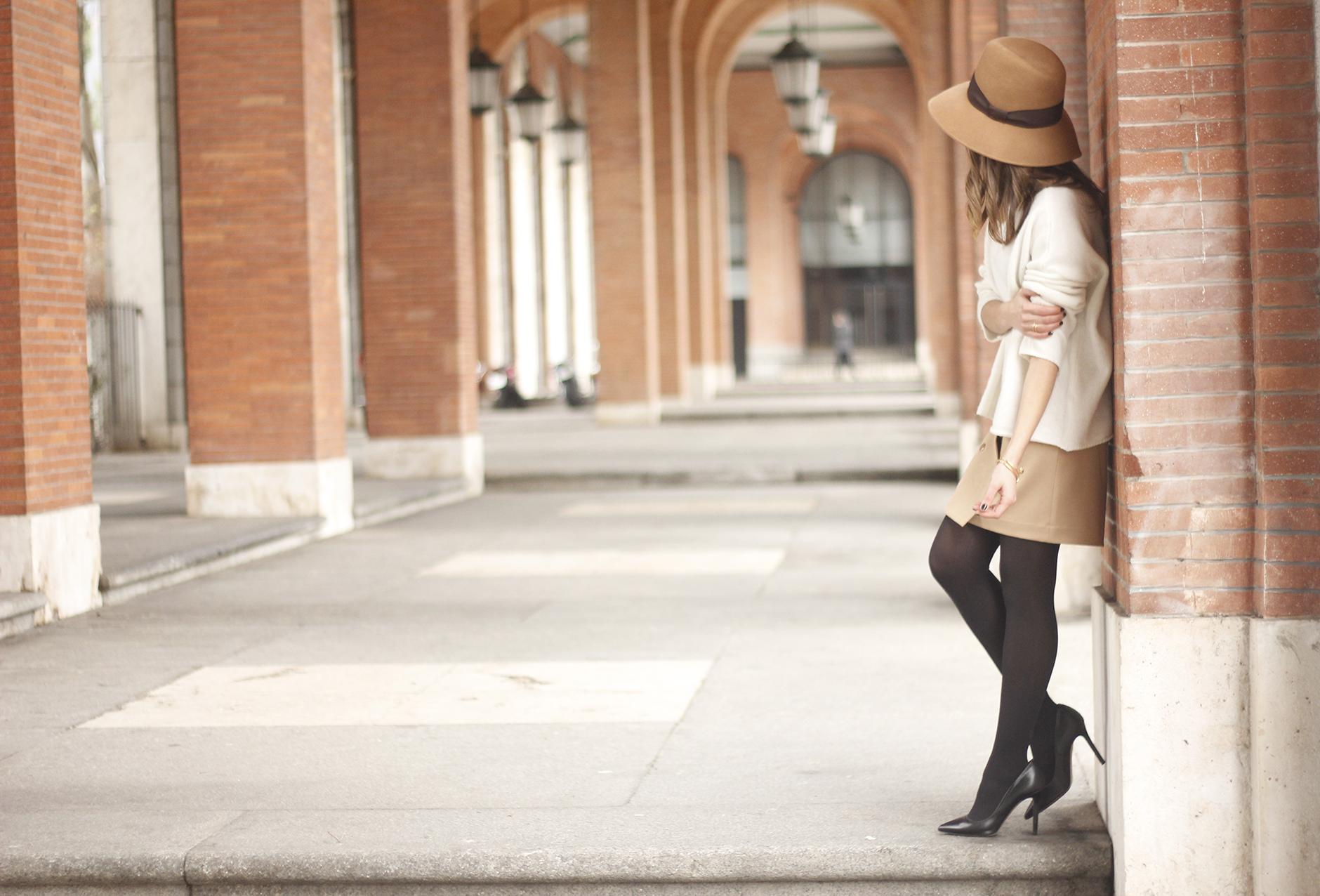 Camel Skirt Mango White Sweater Zara Camel Hat heels fashion outfit11