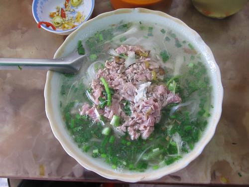 "Hanoi: un ""pho"" au boeuf, la spécialté de Hanoi"