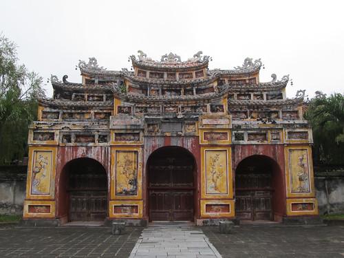 La Citadelle de Hué: Porte menant au Temple Hung Tô Mieu