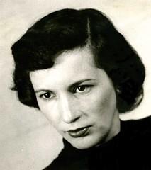 Carol_Altmann_1945