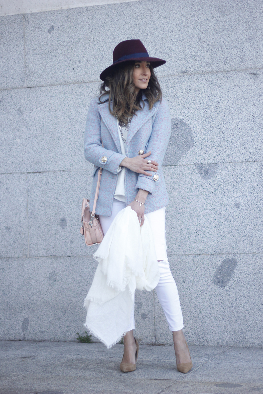 Blue Coat White outfit burgundy hat pink bag coach accessories style19