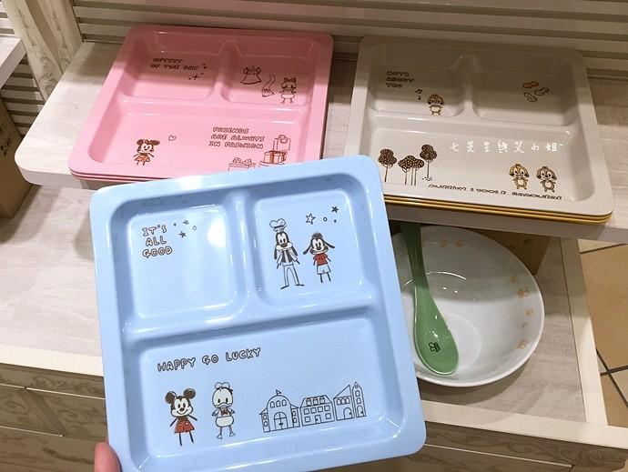 19 日本東京購物原宿白色迪士尼Disney Store