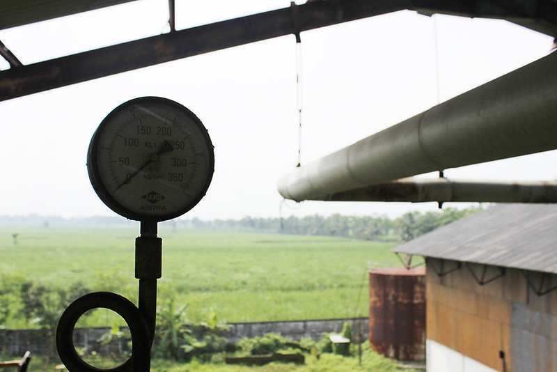 Main di Malang - Pabrik Lama - Penunjuk jarrum