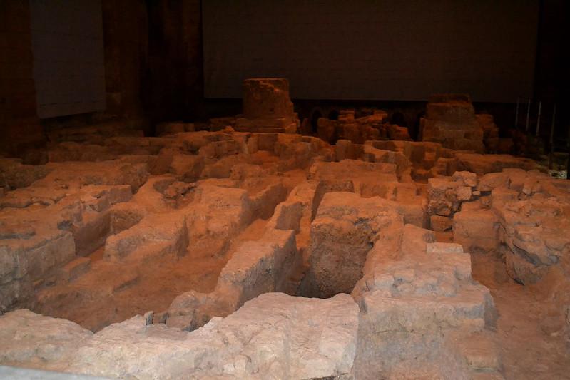 Sepulcros de la iglesia antigua