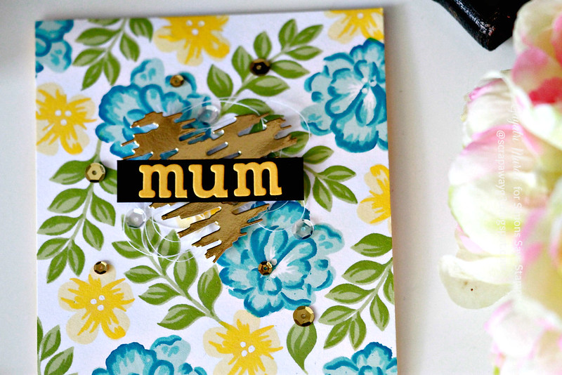 Mum card closeup