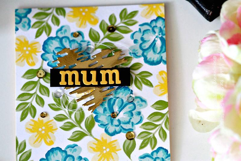 Mum card closeup