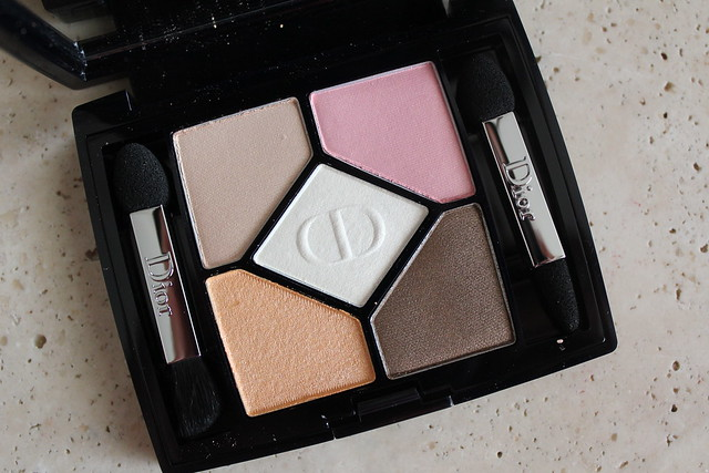 Dior Milky Dots 5 Couleurs Eyeshadow Palette in 536 Escapade review