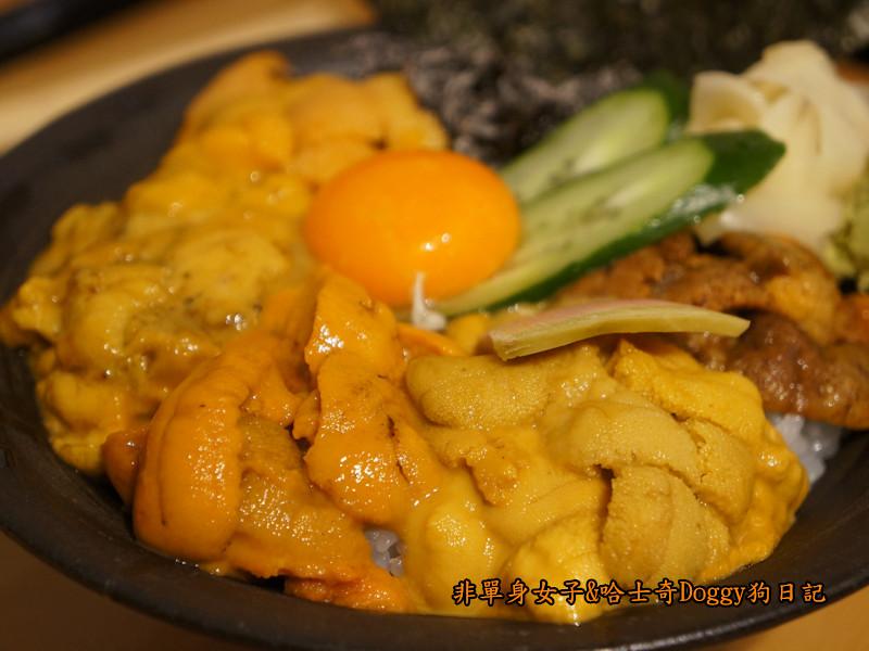 日本築地市場海膽蓋飯01
