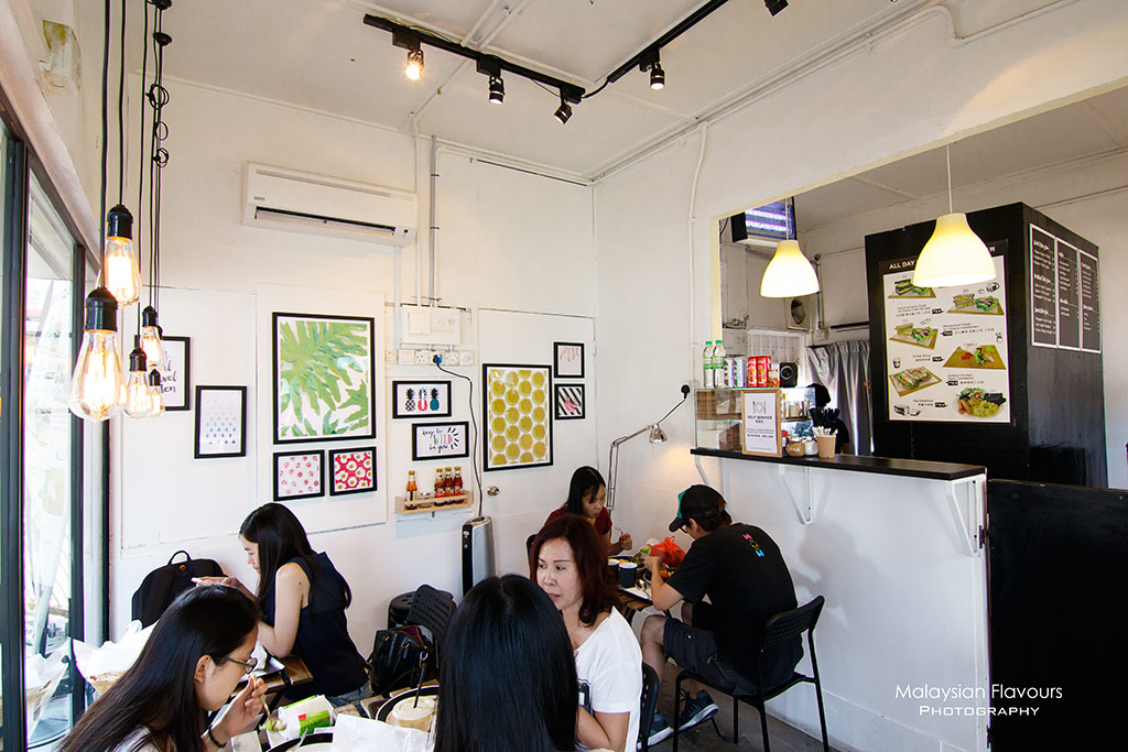 A.Toast Breakfast & Juice Bar Pudu KL