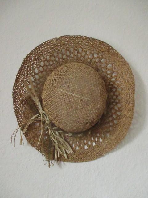 Thrifting: straw hat
