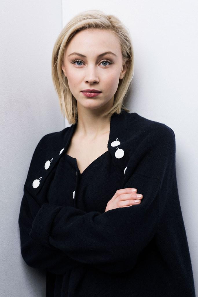 Сара Гадон — Фотосессия для «Возмущение» на «Sundance» 2016 – 9