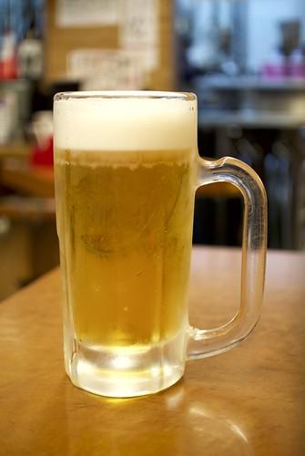 新橋へそ生ビール