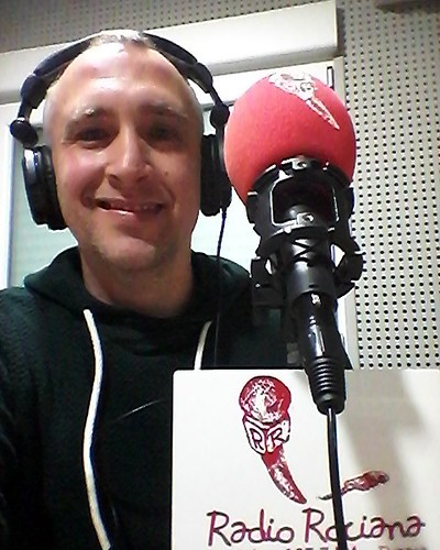 En Radio Rociana promocionando la exposición BONARES SONRÍE de Bonarexpo 2016, de la cual participo