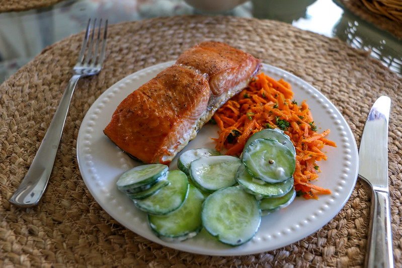 02.20. Salmon with cucumber in yogurt sauce and carrot salad