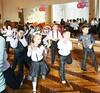 танец от учеников 1-х классов