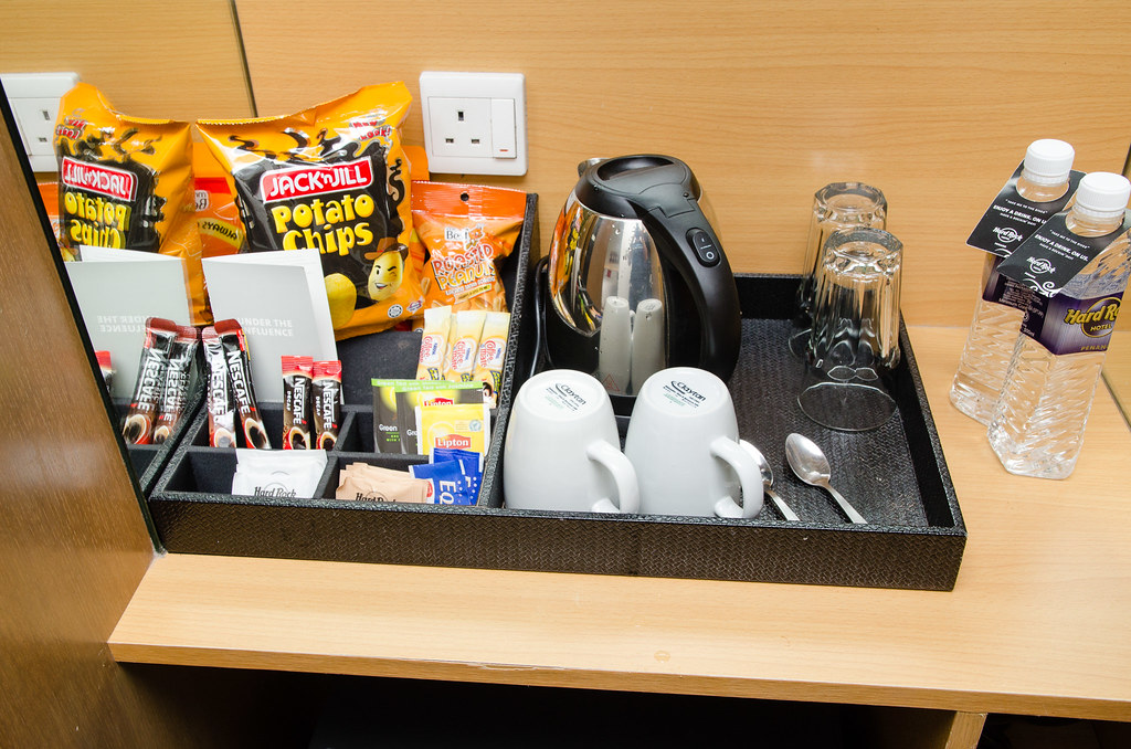 Snack, tea, coffee and utensils in the room