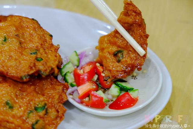 24018190800 a723f51e89 z - 台中平價泰式料理《泰國小吃》,綠咖哩雞好下飯有推!!魚餅份量超澎湃~