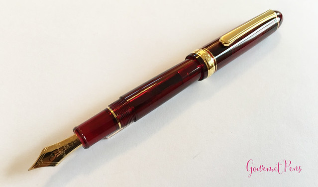 Review Platinum #3776 Century Bourgogne Fountain Pen - Soft-Fine @PenChalet @CarolLuxury (21)