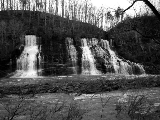 Black & White Twin Falls