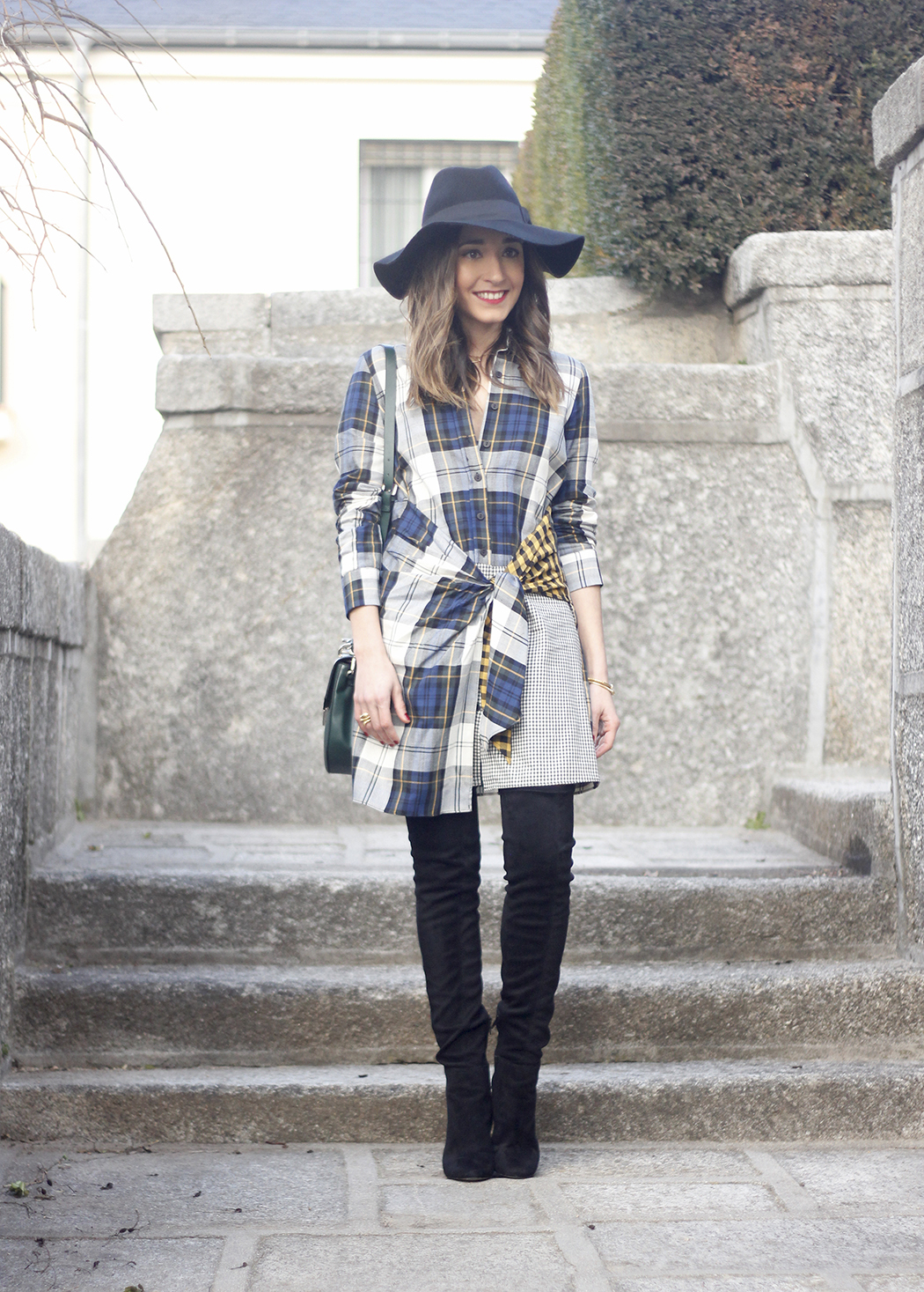 Tartan shirt dress zara over the knee boots mango hat green bag outfit fashion05