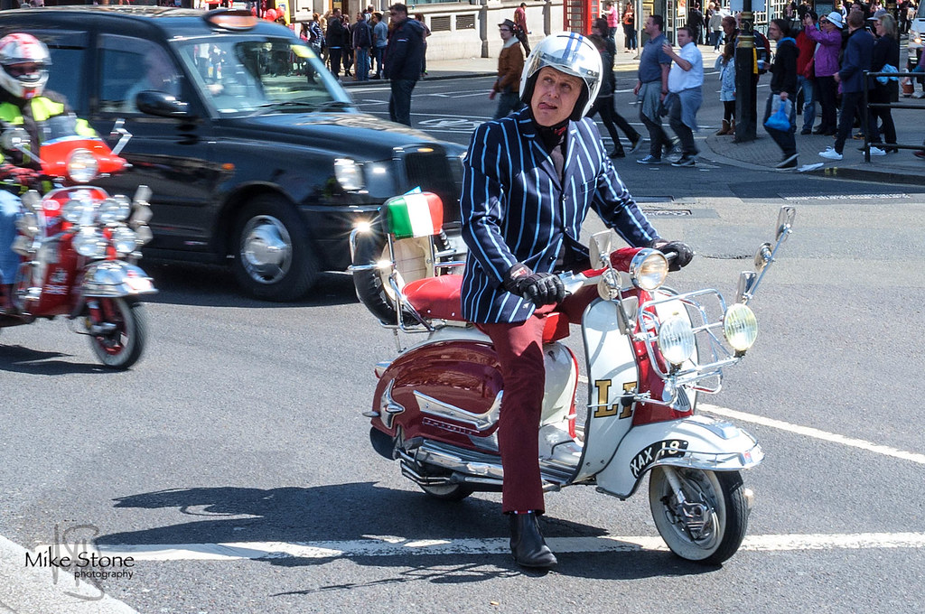 Scooter Rally - Stripes