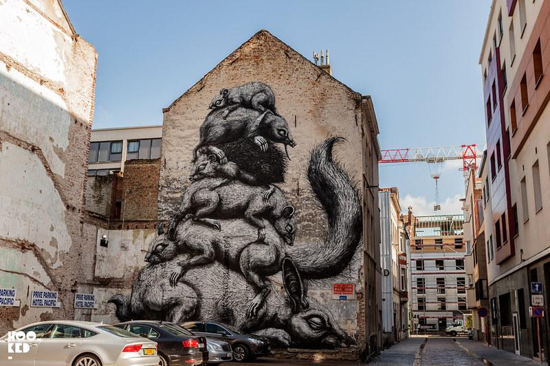 Street artist ROA's mural in Ostend, Belgium. ©2016_MARK_RIGNEY